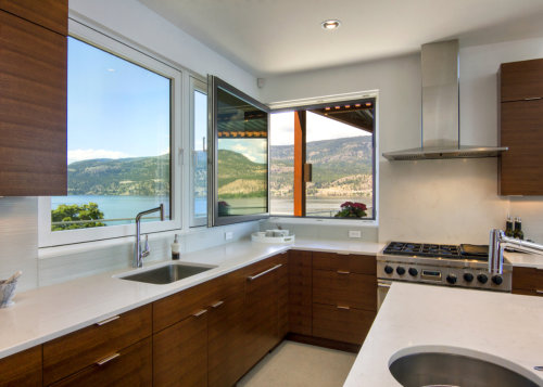 custom-kitchen-with-a-view